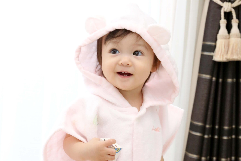 5c1df36acf97a お風呂上がりに大助かり!出産祝いに喜ばれるベビーバスローブおすすめ11 ...