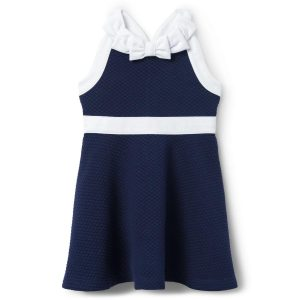 おすすめのベビー服ブランドのジャニーアンドジャックのベビードレス