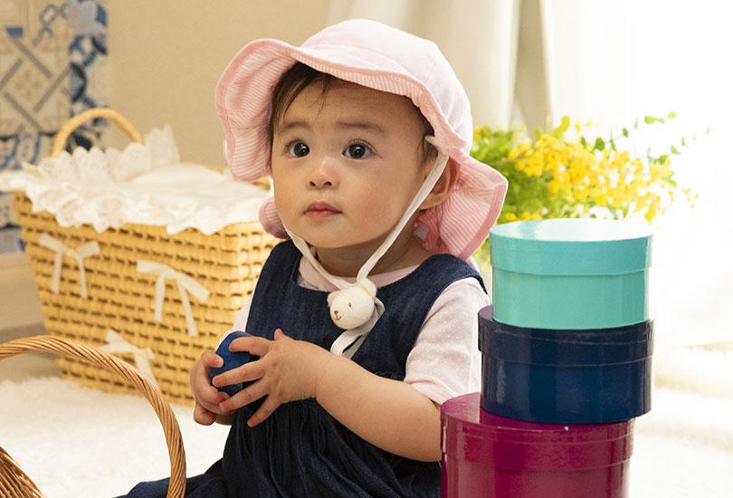 cfb5d7b794f62 赤ちゃんにはつばの大きいベビー帽子が紫外線対策としておすすめ